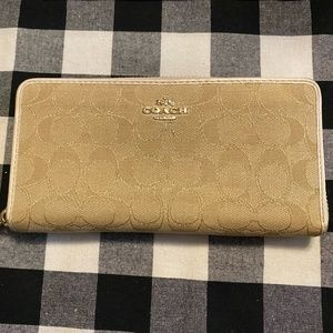 🐎Coach Canvas/Leather Zip Around Wallet